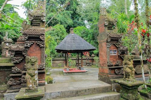 Salah satu tempat berdoa di Pura Batukaru