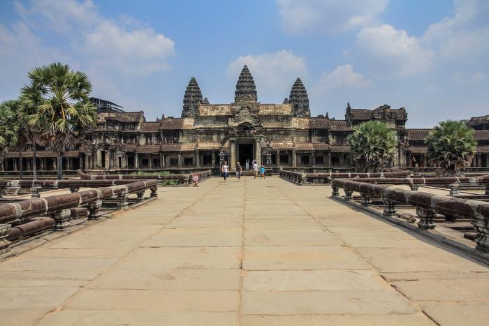 Pelataran Angkor Wat