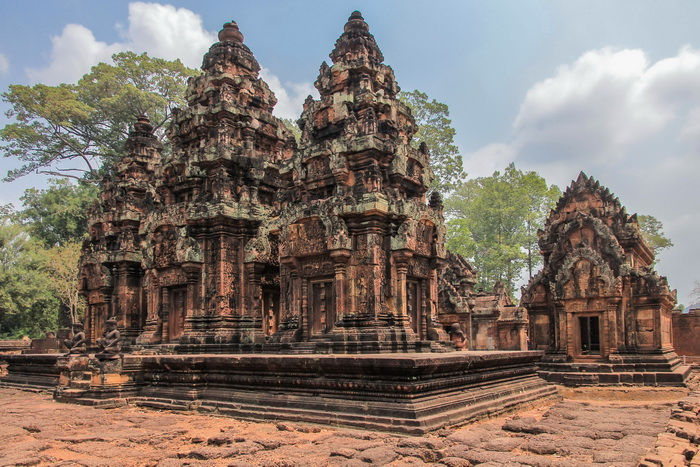 Bantey Srei Temple